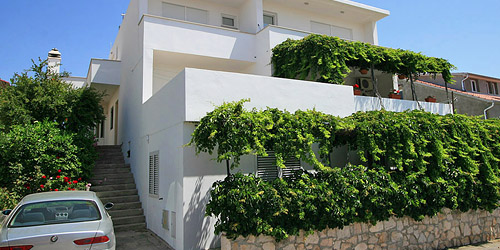 Apartments Nina Hvar accommodation